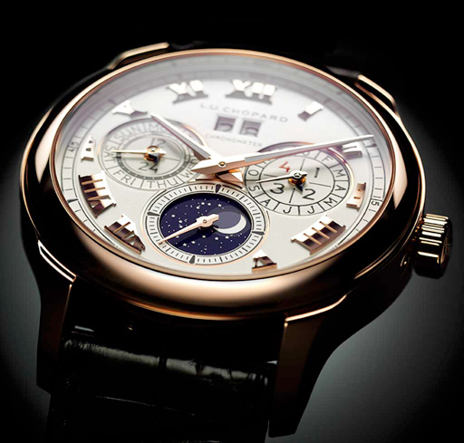 The self-winding calibres driving these models are endowed with a 65-hour power reserve thanks to their two stacked barrels (L.U.C Twin technology).