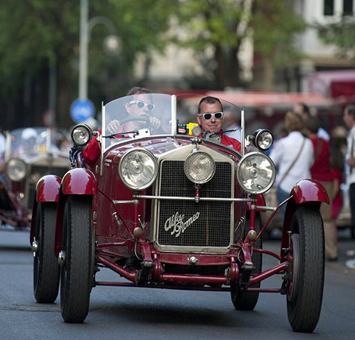 Alfa Romeo celebrates its first victory with driver Giuseppe Campari in 1928. Tazio Nuvolari then becomes the first to complete the race at an average speed of over 100 km/h in 1930 by driving a Alfa Romeo. Three years later, the top 10 race cars consist of Alfa Romeos only.