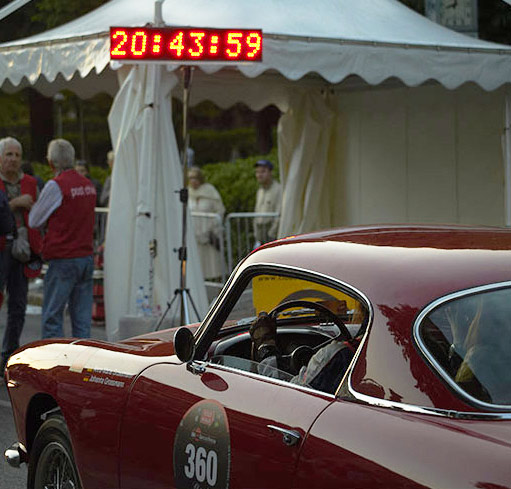 IN 1977, THE MILLE MIGLIA RACE IS BACK IN AN ENDURANCE VERSION FOR 1000 MILES BETWEEN BRESCIA AND ROME.
