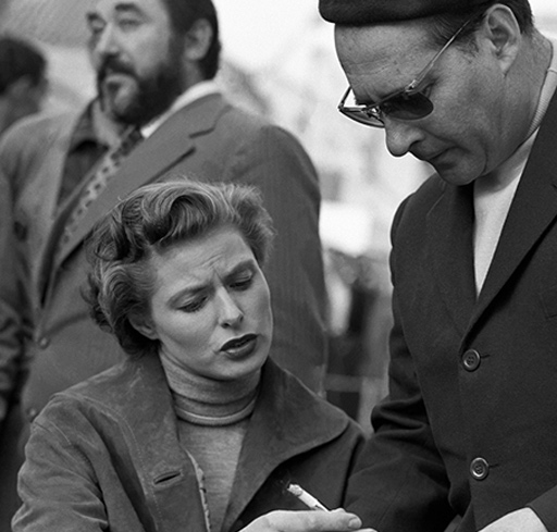 Ingrid Bergman and Roberto Rossellini commenting on the script of Journey to Italy (1953)