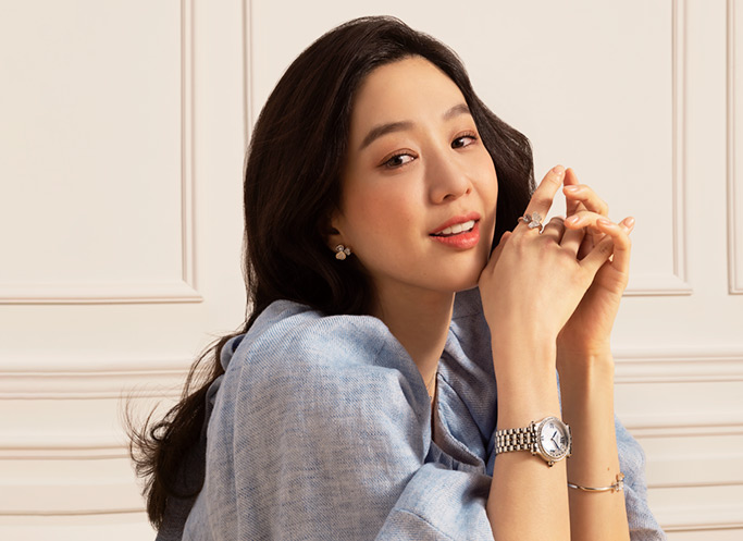 Close-up of Jung Ryeo-won