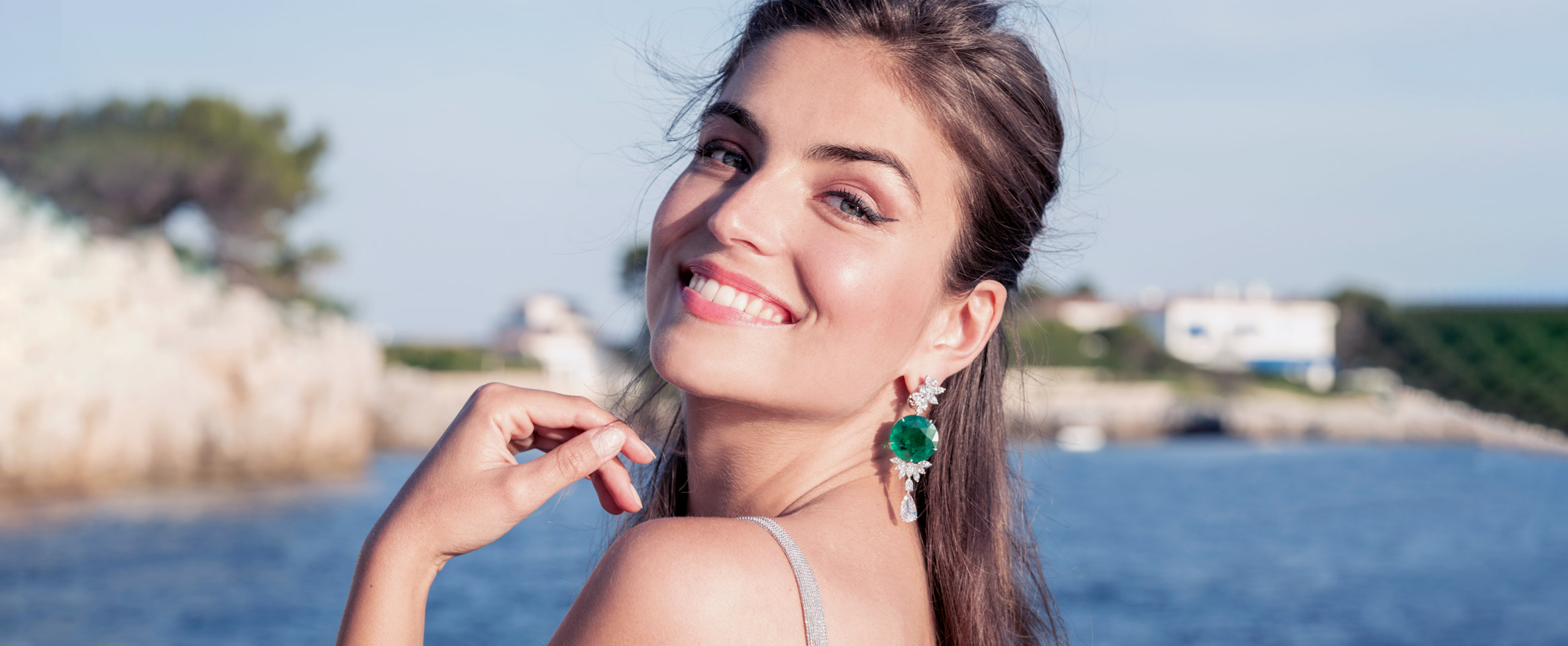 A beautiful woman wearing Chopard's most precious jewellry for Cannes Festival