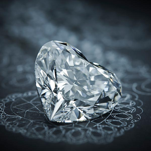 The magnificent 342-carat diamond 'The Queen of Kalahari and how Chopard used it to craft marvelous jewels. 1