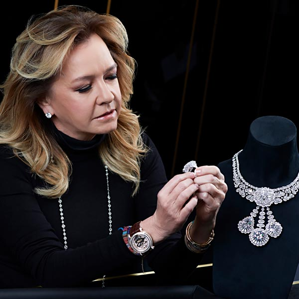 The magnificent 342-carat diamond 'The Queen of Kalahari and how Chopard used it to craft marvelous jewels. 9