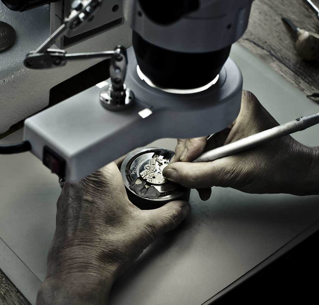 As unique as the hand that crafted it. Each movement is decorated by hand.