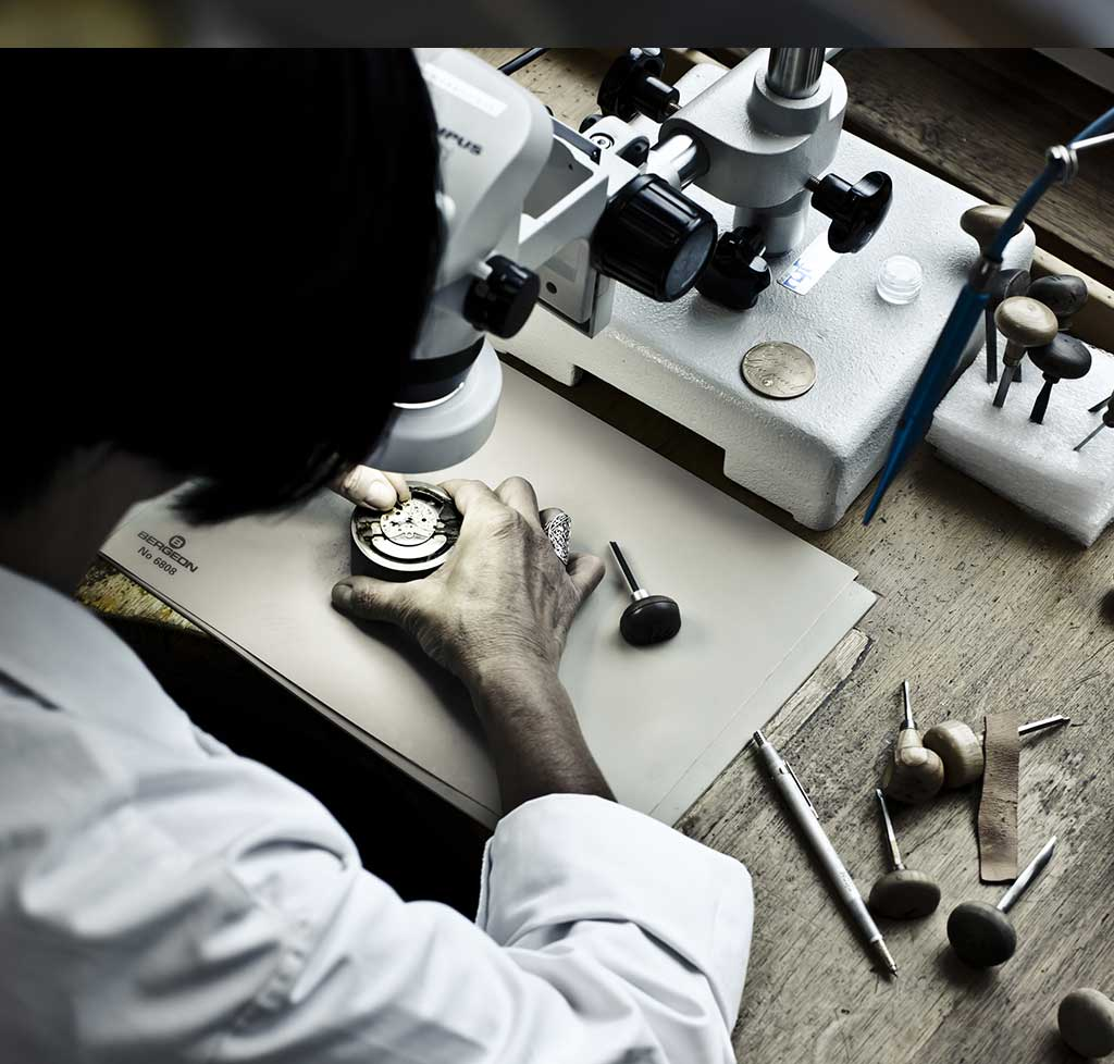 Chopard Manufacture has chosen to give pride of place to hand craftsmanship, even when this choice involves higher production costs.